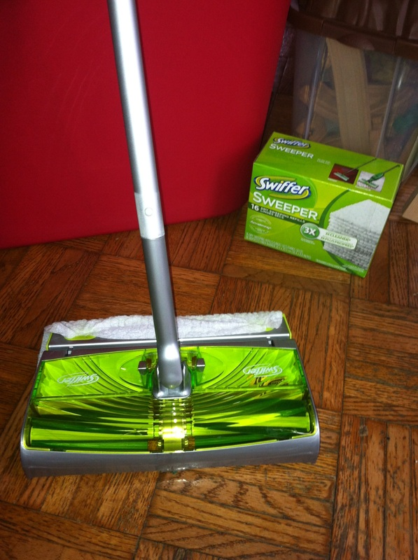 Cleaning Made Easy With The New Swiffer Sweep Amp Trap